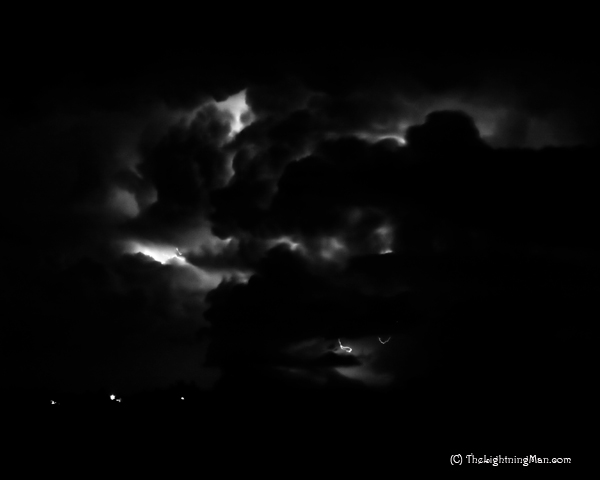 Cloud to CLoud Lightning Black and white image