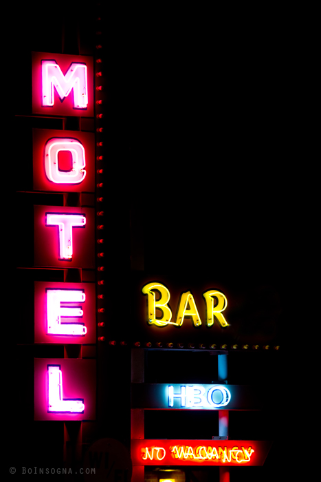 Motel – Bar – HBO – No Vacancy